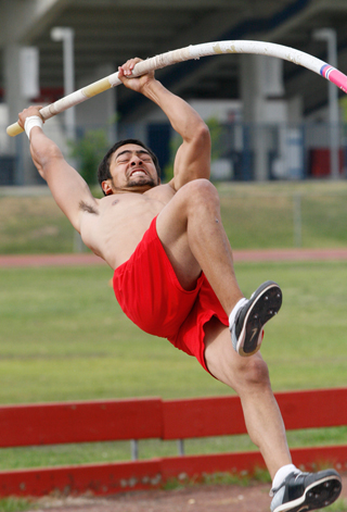 Freshman pole vaulter Lyle Quillen is one of many athletes at Fresno State who has to deal with the poor air quality in the Central Valley. Quillen has been dealing with these conditions since his days at Clovis East High School.