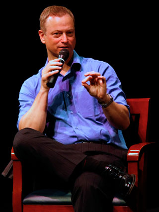 Actor Gary Sinise co-founded the Steppenwolf Theater Company in Chicago.