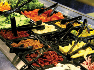 Healthy choices line dining hall bar the collegian matt ccuart Gallery