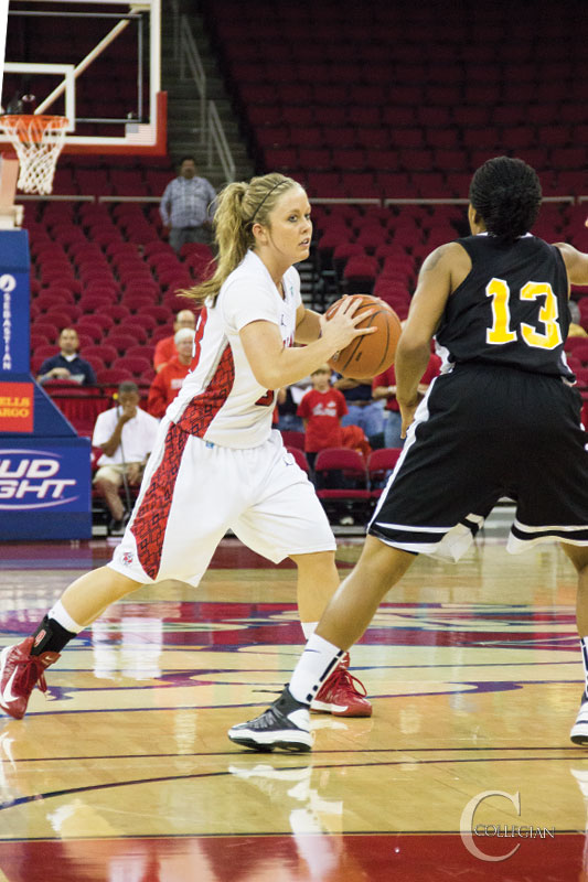 Women's Basketball: 'Dogs hit the road, beat Titans - The ...