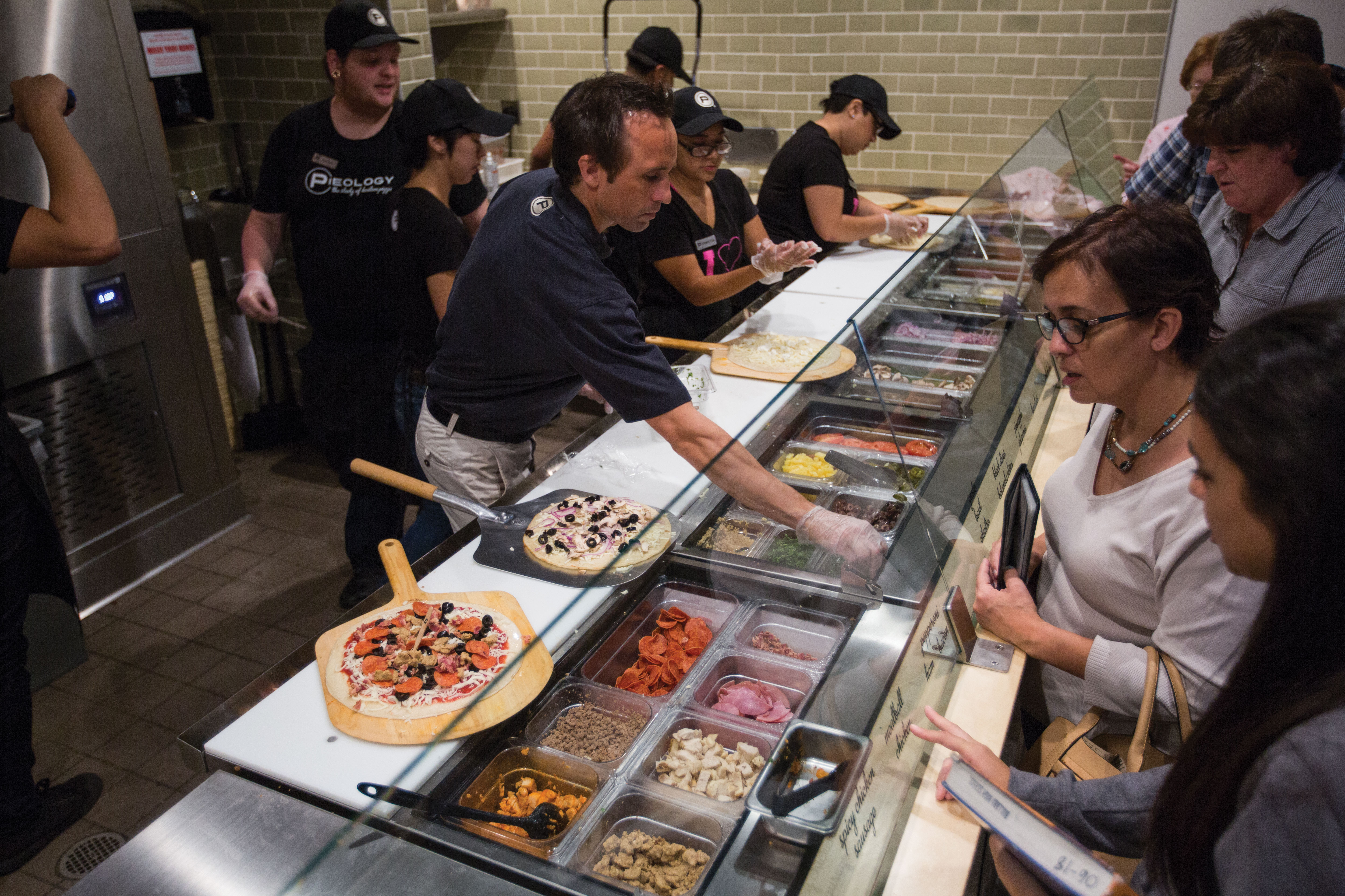 Pieology Pizzeria Opens At Fig Garden Village The Collegian