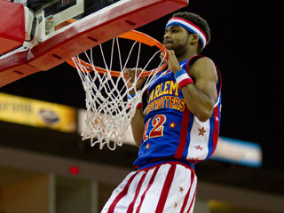 Harlem Globetrotters photo gallery article thumbnail mt-3