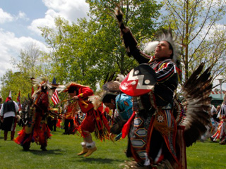 First Nations Native Indian Pow Wow SoundSlide article thumbnail mt-3