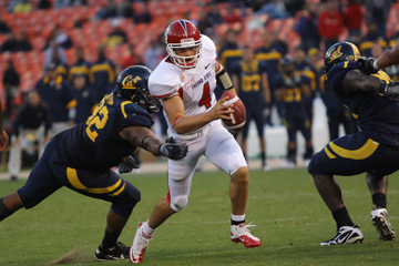 'Dogs football - 2011 at a glance  article thumbnail mt-3