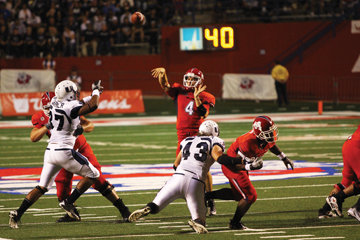 Fresno State overcomes 4th quarter deficit for the win article thumbnail mt-3
