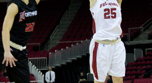 W. Hoops: 'Dogs' come-from-behind victory caps perfect home stand article thumbnail mt-3