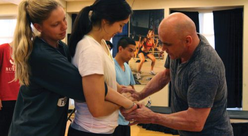 The self-defense class that's exclusively for women article thumbnail mt-3
