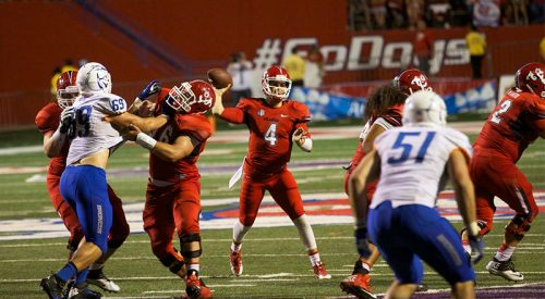 Bucking the Broncos: 'Dogs win thriller 41-40 article thumbnail mt-3