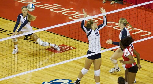Volleyball: 'Dogs blank Cowgirls article thumbnail mt-3