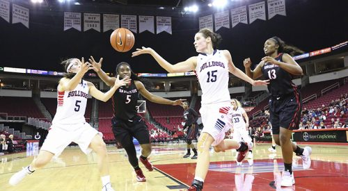 Women's Basketball: Farley leads Bulldogs to victory article thumbnail mt-3