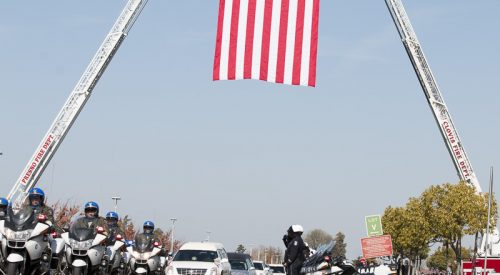 Memorial for two fallen CHP officers draws thousands article thumbnail mt-3