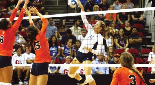 Volleyball: Fresno State's home opener ends with victory over crosstown rivals article thumbnail mt-3