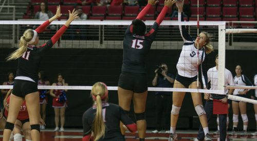 Volleyball: 'Dogs drop home match to SDSU article thumbnail mt-3