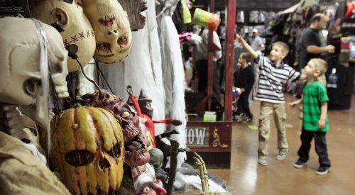 Local halloween store ready for season article thumbnail mt-3