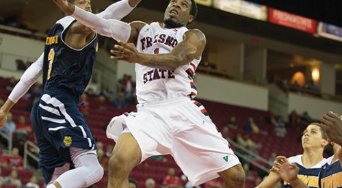 Men's Basketball: 'Dogs win first road game of year, establish two-game win streak article thumbnail mt-3