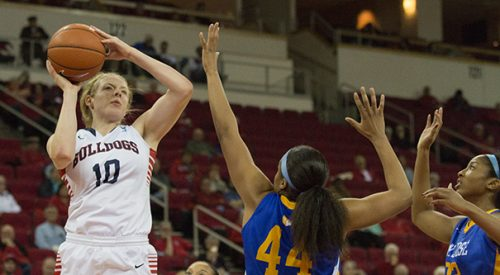 Women's Basketball: 'Dogs beat Wyoming on the road article thumbnail mt-3