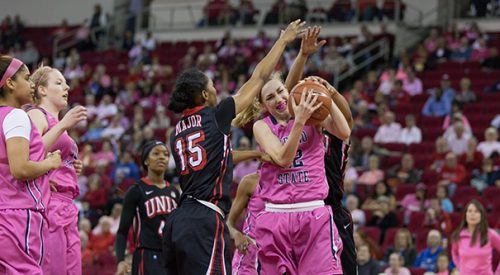 Women's Basketball: After loss, 'Dogs focus on composure article thumbnail mt-3
