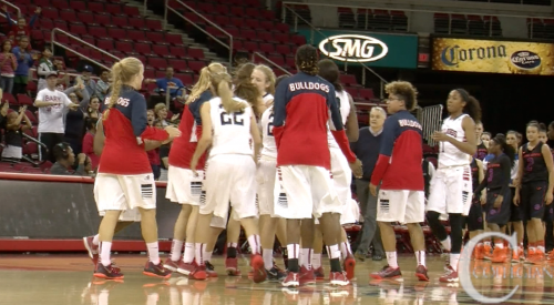 Women's Basketball Upset Boise State for Third Seed article thumbnail mt-3