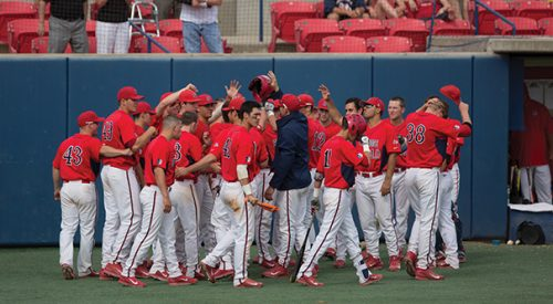 Baseball: Late offensive production lifts Fresno State past Hornets article thumbnail mt-3