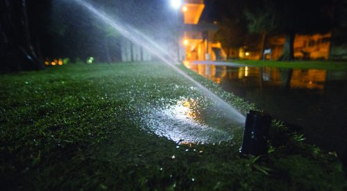 Heeding the call to curb water use article thumbnail mt-3