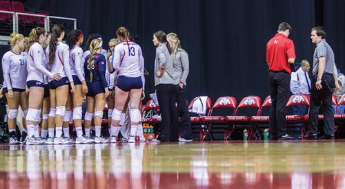 Volleyball: 'Dogs bounce back to win final match at Saint Mary's Tournament article thumbnail mt-3