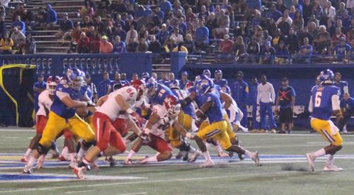 Football: 'Dogs get trampled by Spartan rushing attack article thumbnail mt-3