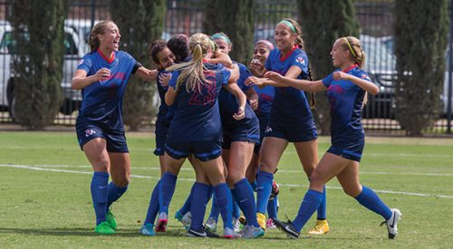 Soccer: 'Dogs dominate Broncos in first conference win article thumbnail mt-3
