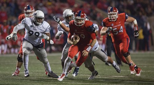 Football: Wolf Pack pounces on Bulldogs in second half to pull away article thumbnail mt-3