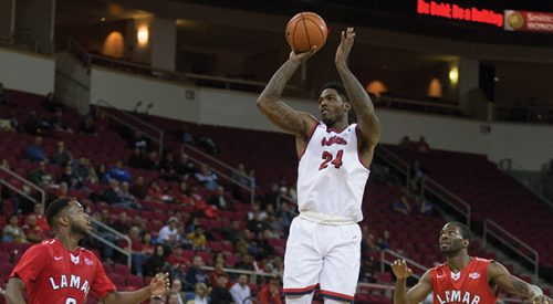 Men's Basketball: 'Dogs open Roundball Showcase with victory over Lamar article thumbnail mt-3