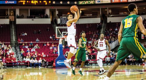 Men's Basketball: 'Dogs fend off USF comeback attempt to make it three in a row article thumbnail mt-3