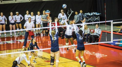 Volleyball: Fresno State bounces back with sweep of Aggies on Halloween article thumbnail mt-3