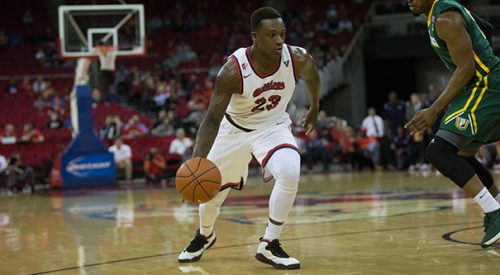 Men's Basketball: Fresno State's five-game win streak snapped at the hands of No. 15 Oregon article thumbnail mt-3