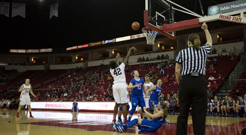 Women's Basketball: 'Dogs make comeback on road to beat Wyoming, extend streak article thumbnail mt-3