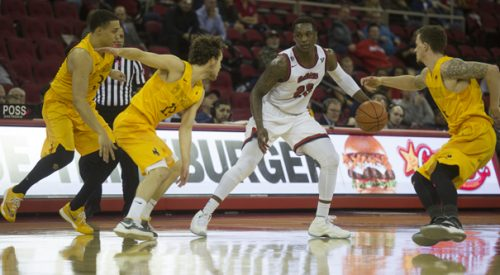 Men's Basketball: 'Dogs top reigning MW Tournament champion Wyoming article thumbnail mt-3