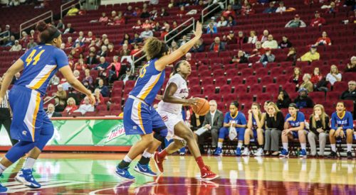 Women's Basketball: Bulldogs' eight-game win streak snapped at hands of Spartans article thumbnail mt-3