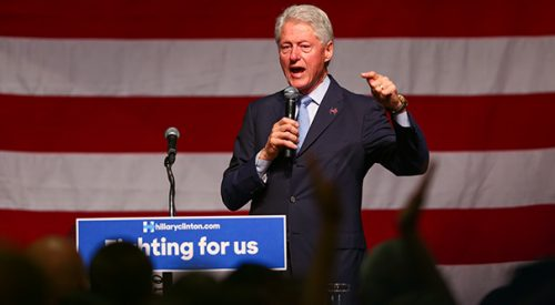 President Bill Clinton draws large crowd for speech at Fresno State article thumbnail mt-3