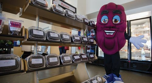 Nation's raisin capitol celebrates California Raisin Day article thumbnail mt-3