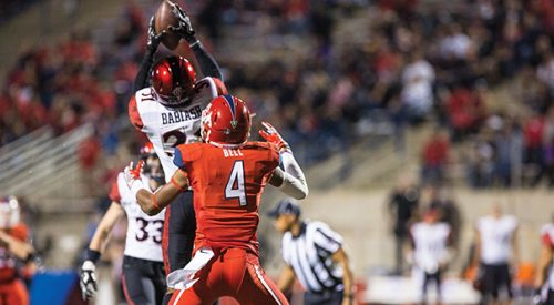 Bulldogs speared by Aztecs article thumbnail mt-3