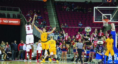 Watson's 25 helps lead 'Dogs over Wyoming article thumbnail mt-3