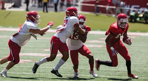 Defense shines in spring game article thumbnail mt-2