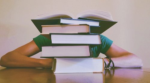 Finals week hacks that will help you thrive article thumbnail mt-2