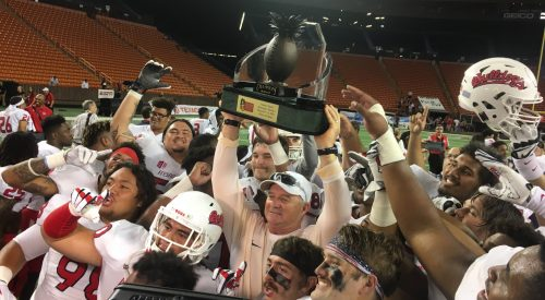 Hawai'i Bowl Champions! article thumbnail mt-3