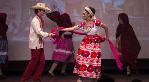 'Christmas in Mexico' fills Student Union with Mexican culture and holiday spirit article thumbnail mt-3