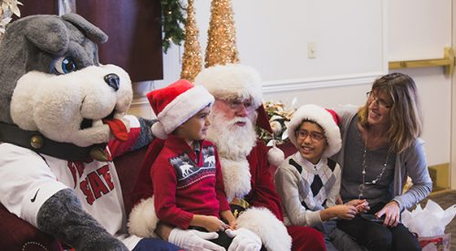 'Photos With Santa' is festive family fun article thumbnail mt-3