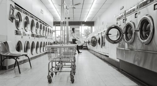 Doing laundry as a college student is the worst article thumbnail mt-3