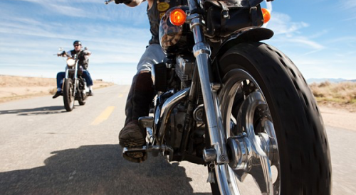 Motorcycle Dangers and Safety article thumbnail mt-3