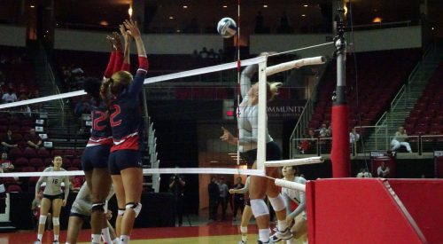Bulldogs lose first game of Fresno State invitational article thumbnail mt-3