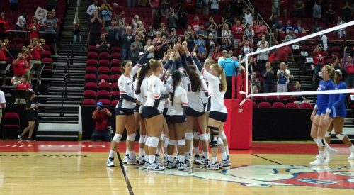Bulldogs Volleyball falls to Cal to end tournament article thumbnail mt-3