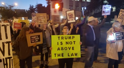 Demonstrators in Fresno gather in support of Russia investigation article thumbnail mt-3