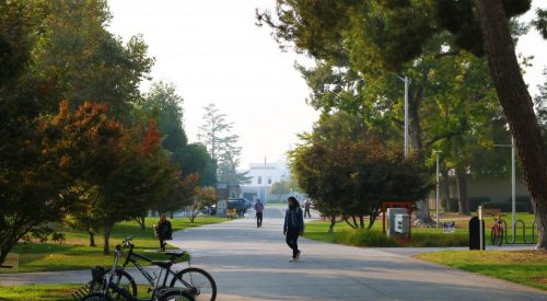 Fresno State is monitoring the air quality, says closing campus not an option yet article thumbnail mt-3